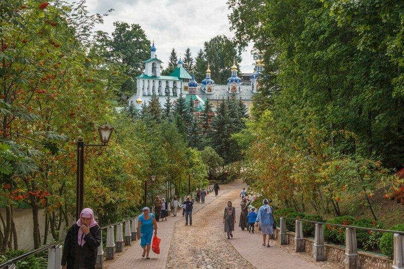 """""""Кровавый путь"""" и храмы монастыря"""
