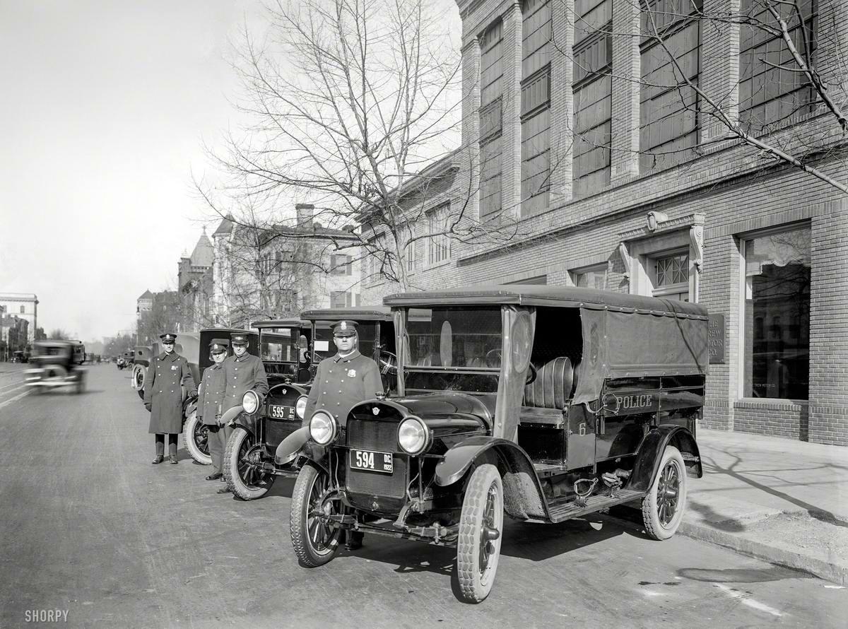 Грузовые автомобили начала 20-го века на снимках американских фотографов (16)