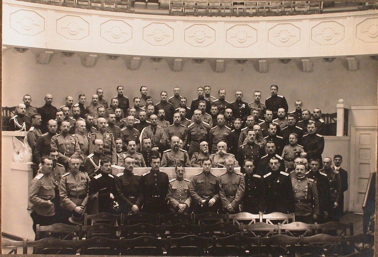 15. Группа слушателей школы; в центре за столом - великий князь Александр Михайлович