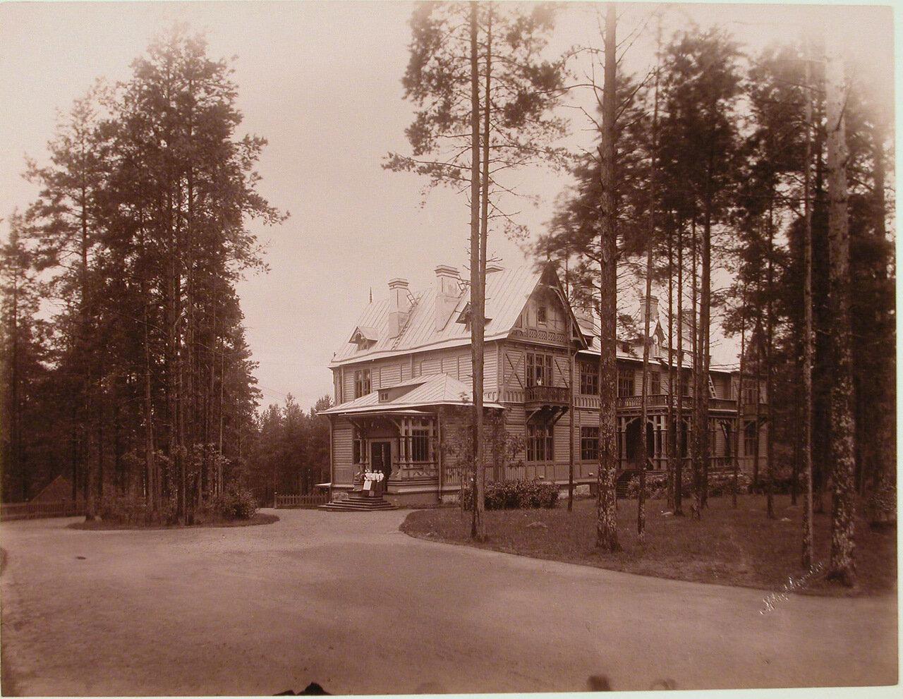 15. Вид здания Мариинского отделения для детей санатория (с северной стороны)