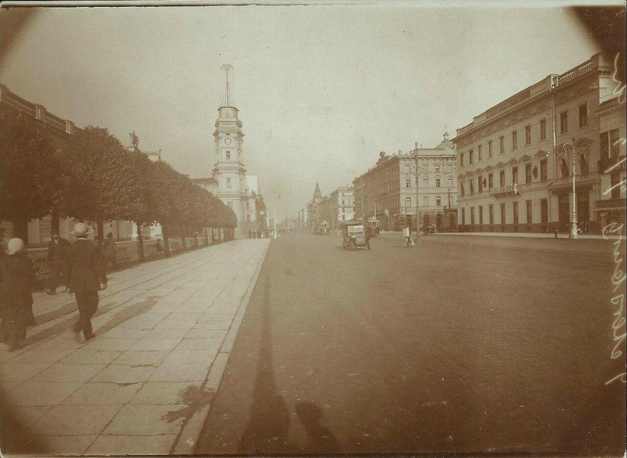 Вид на здание Думы с Невского проспекта