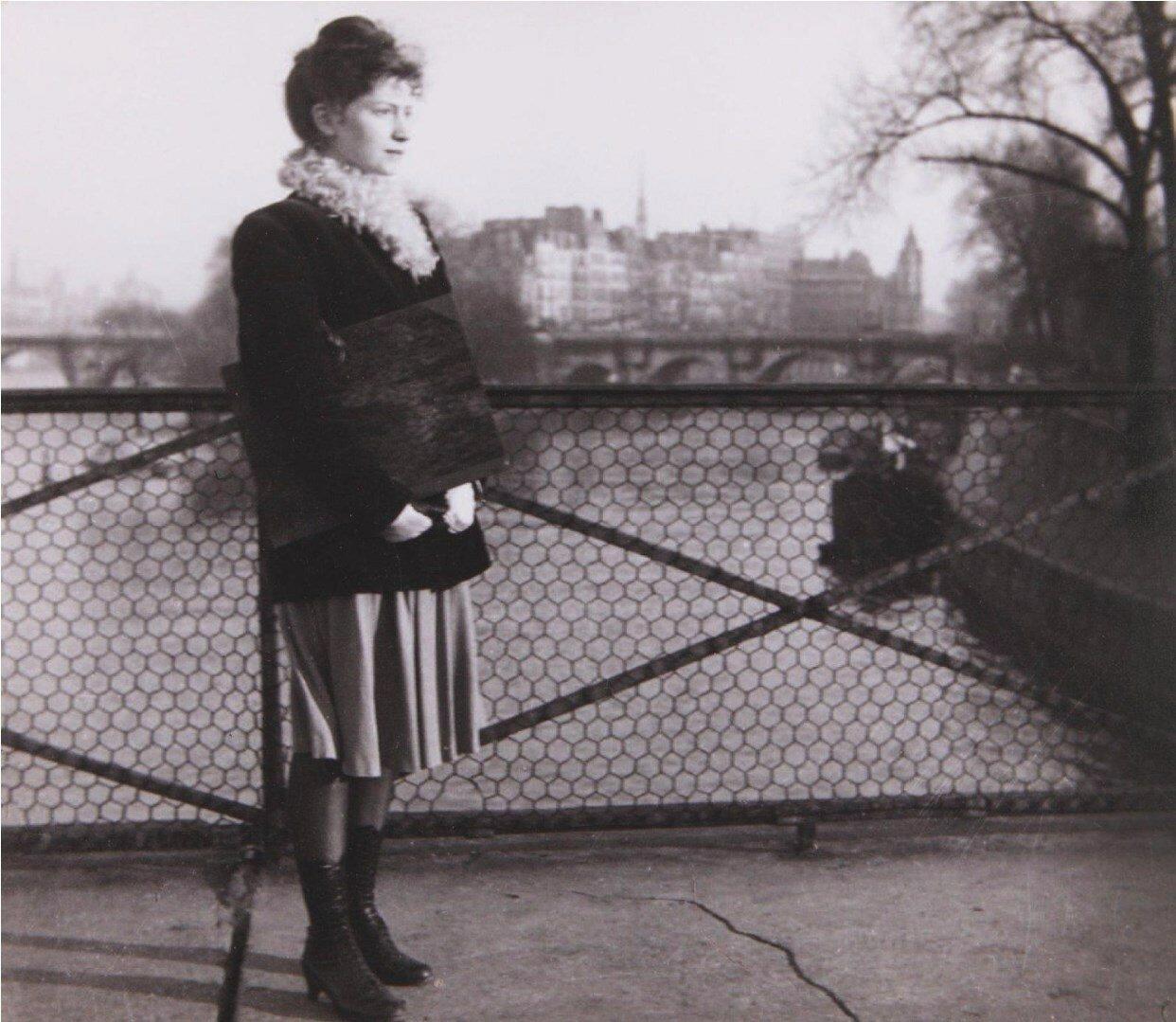 1950. Лелла на Мосту Искусств
