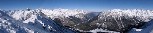 Панорама Кавказского хребта и долины р.Теберда