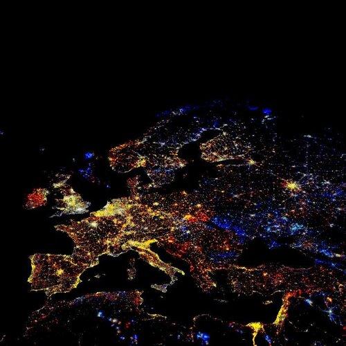 Так выглядит ночная ЕВРОПА из космоса
