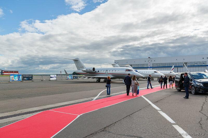 Bombardier CL-600-2B16 Challenger 605 (9H-VFJ) VistaJet D807725