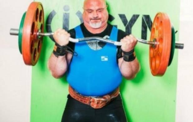 Священник-силач из Украины установил новый мировой рекорд