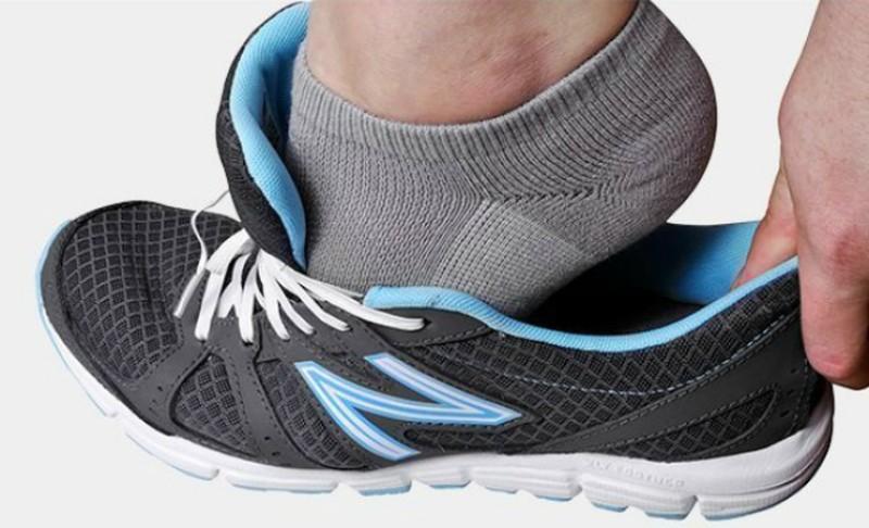 1. Эластичные шнурки Стрейч-шнурки для ботинок позволят быстро снять обувь в аэропорту или в любом д
