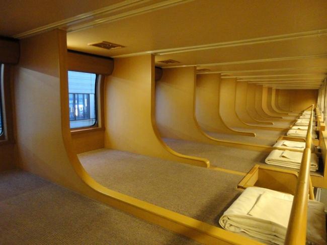 Как выглядят спальные вагоны вразных странах мира (8 фото)