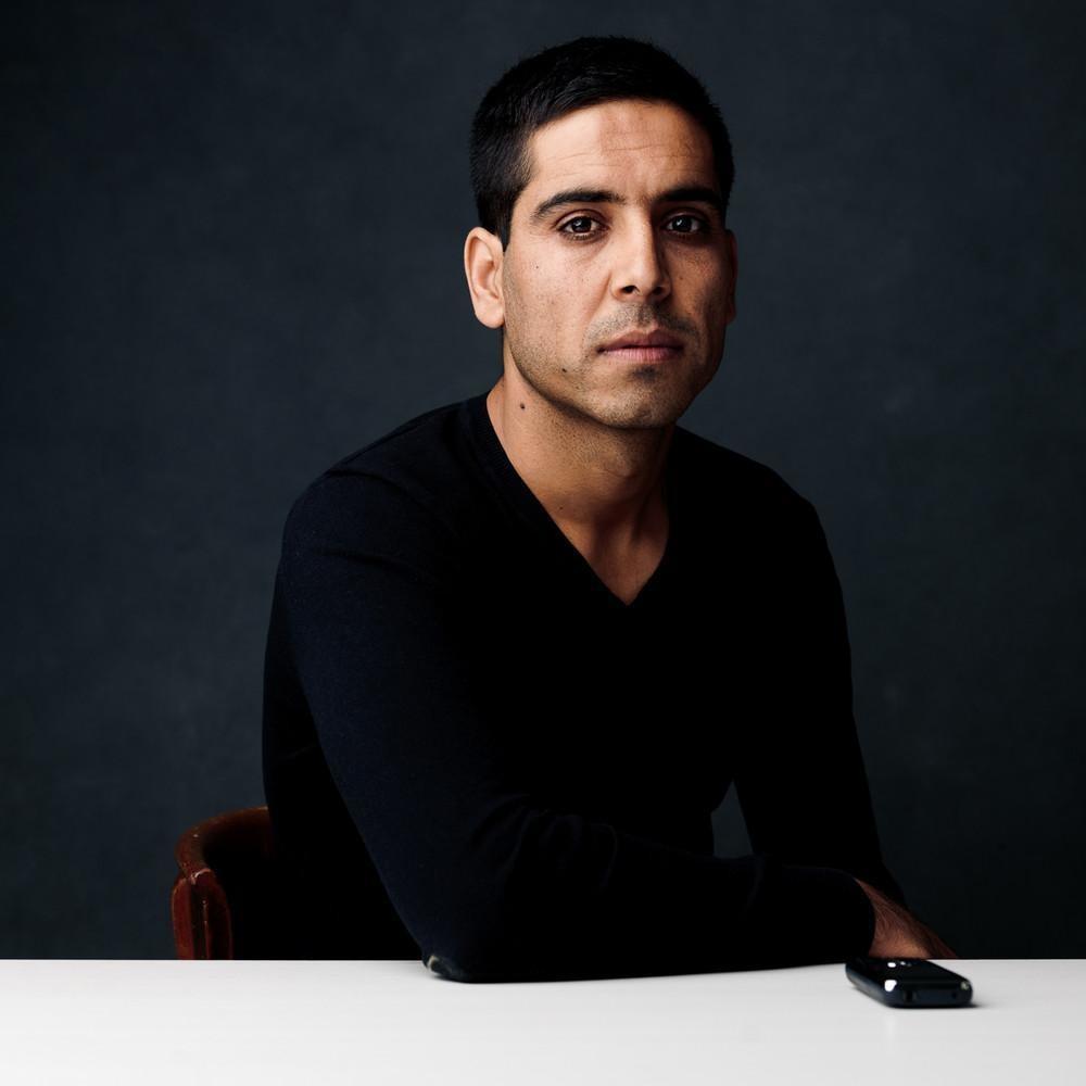 Ширин, 21 год, сбежал из Афганистана в 2010 году. «Я живу в Швейцарии уже два года. Моя семья могла