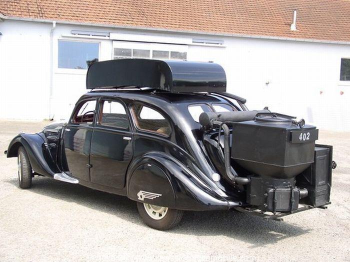 Автомобили на дровяном топливе (23 фото)