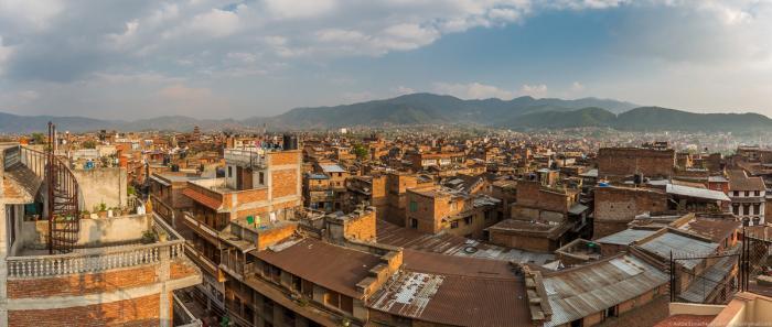 Вид в сторону не туристических окраин города: