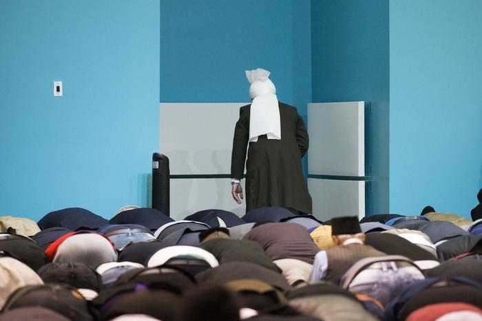 Заэкстремистскую литературу имама мечети приговорили кобязательным работам
