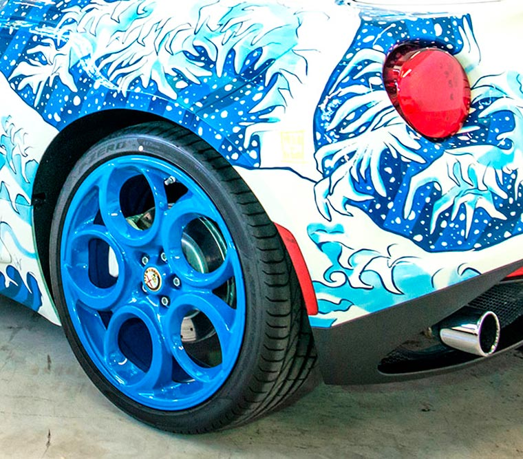 Garage Italia Customs, Alfa Romeo 4C painted with Hokusai's The Great Wave of Kanagawa, 2016