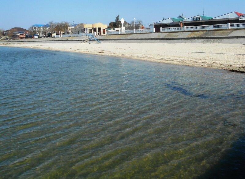 Прозрачность мартовской спокойной воды Азовского моря ... DSCN1297.JPG