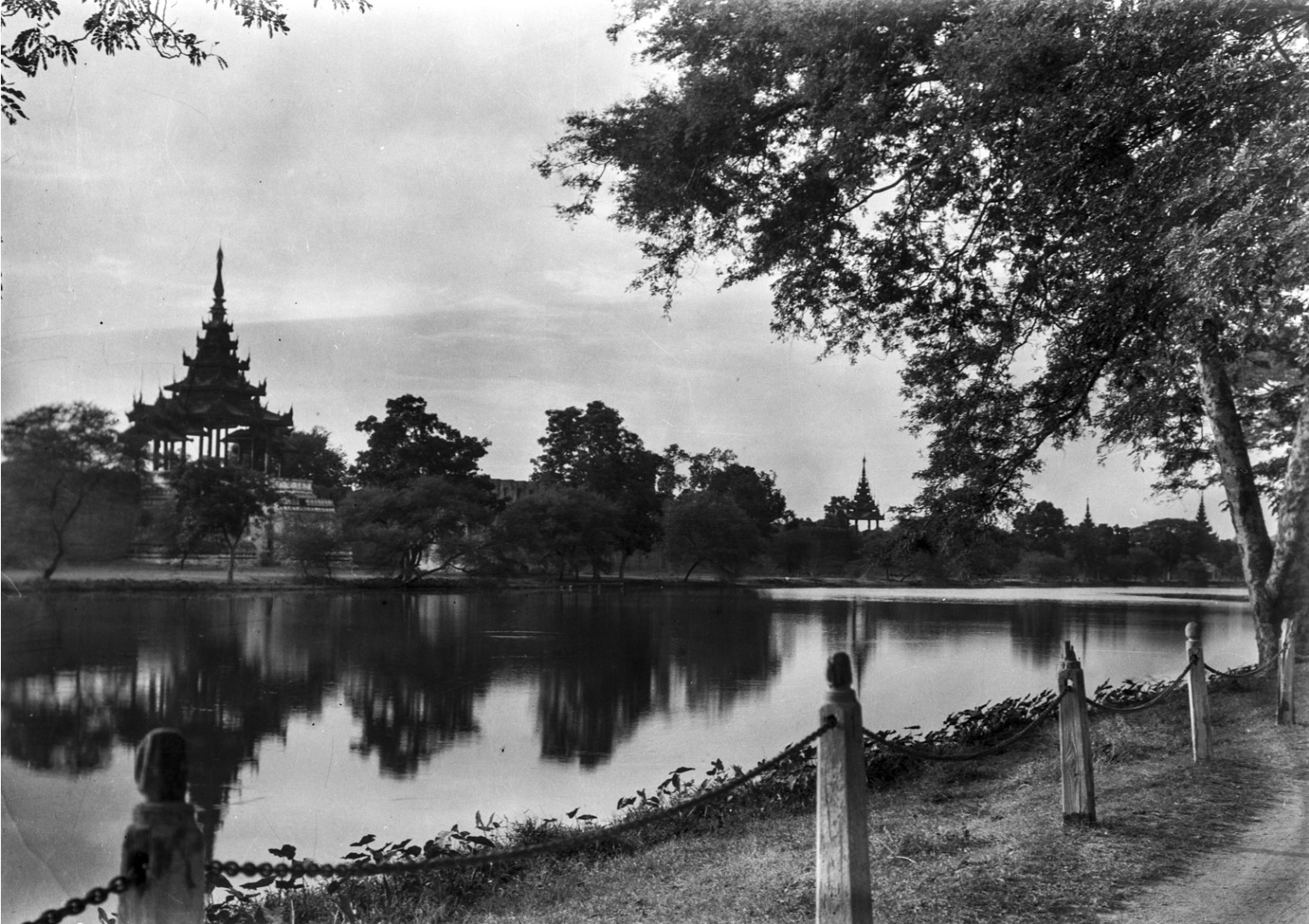 855. Мандалай. Королевский дворец. Общий вид