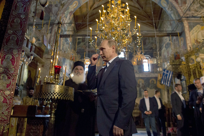 На Афоне с особыми почестями встретили президента России Владимира Путина