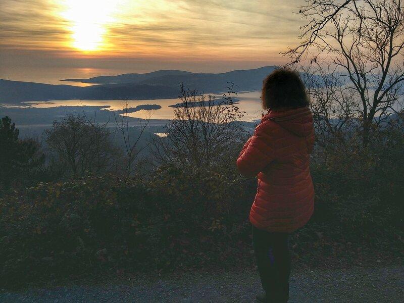 Крепость Врмац в Черногории и Тиватский залив