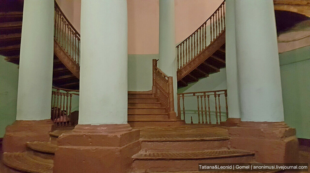 Ротонда в Санкт-Петербурге