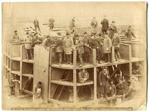 Кессонные работы при постройке моста через реку Тобол у Кургана