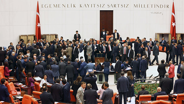 Парламент Турции рассмотрит вопрос опродлении режимаЧП