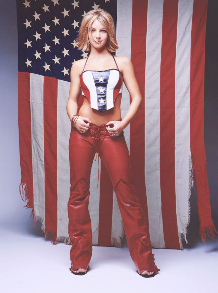 Знаменитые девушки в американском флаге - Britney Spears