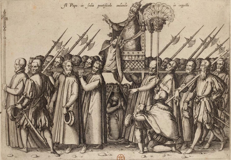 Папа на папском троне собирается в часовню