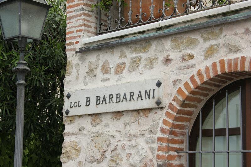 ���������� B. Barbarani