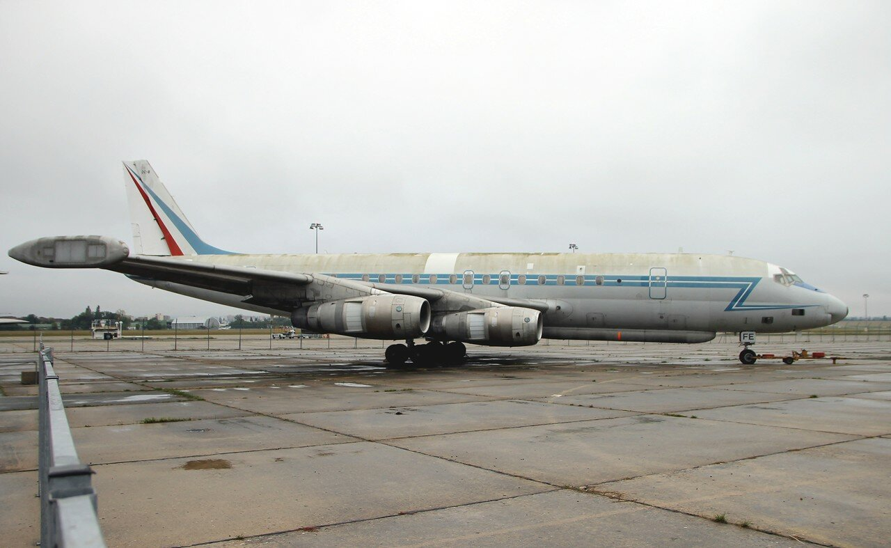 Douglas DC-8 'Le SARIGuE', electronic reconnaissance aircraft (Le Bourget aviation museum)