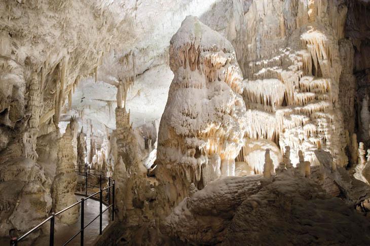 Пещера Fingals, Шотландия.