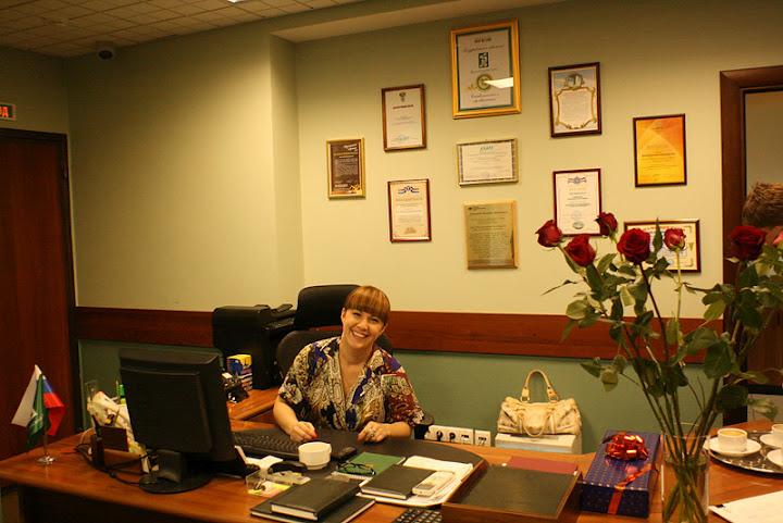 Кабинет вице-президента в оригинальной раскраске. В кабинете никакого лишнего барахла, все для дела.