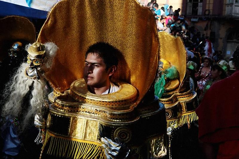 29. Карнавальное шествие длится два дня – в субботу и воскресенье. Суббота (открытие Диаблады)