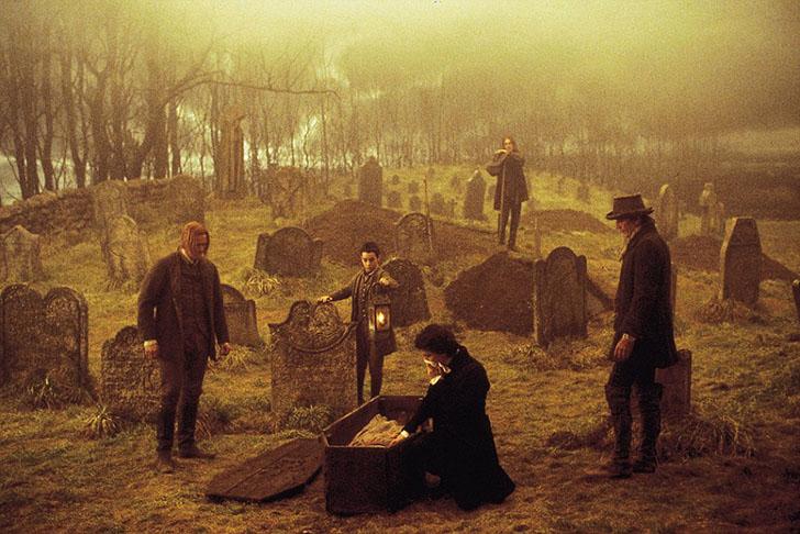 Джонни Депп в одной из сцен фильма 1999 года «Сонная лощина». Фильм стал одной из причин широкой изв