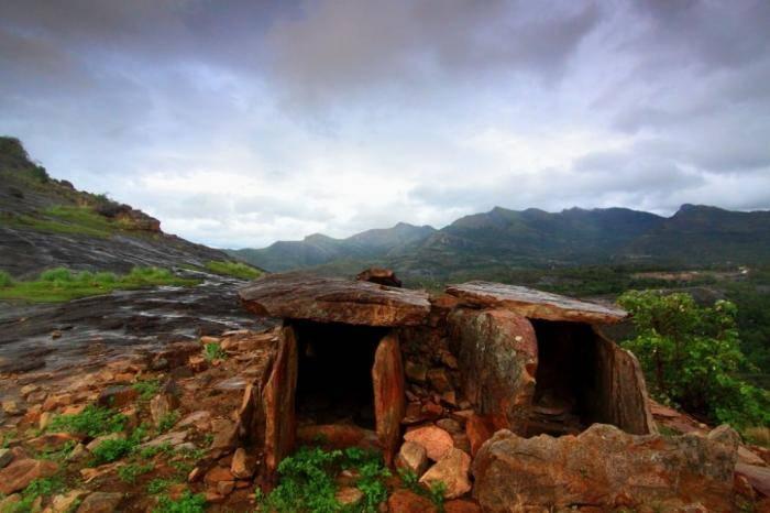Дольмены Марайур, Керала Дольмены — доисторические погребальные камеры, которые обычно выглядя