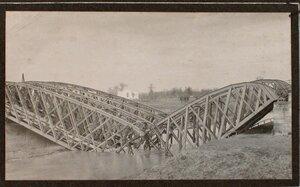 Вид  взорванного железнодорожного  моста через реку Виар .