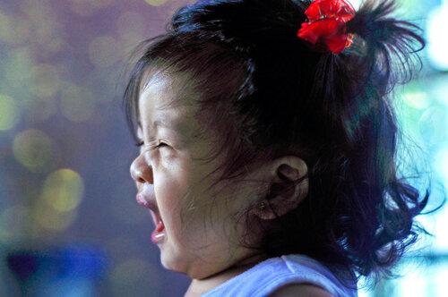 Как отвлечь ребенка от капризов?