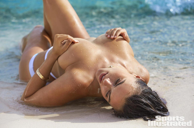 Myla Dalbesio / Майла Долбесио в купальниках из новой коллекции Sports Illustrated Swimsuit 2017 issue / in Curacao by Ben Watts