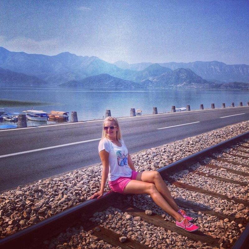 лучшие пейзажи черногории и мои ноги :)