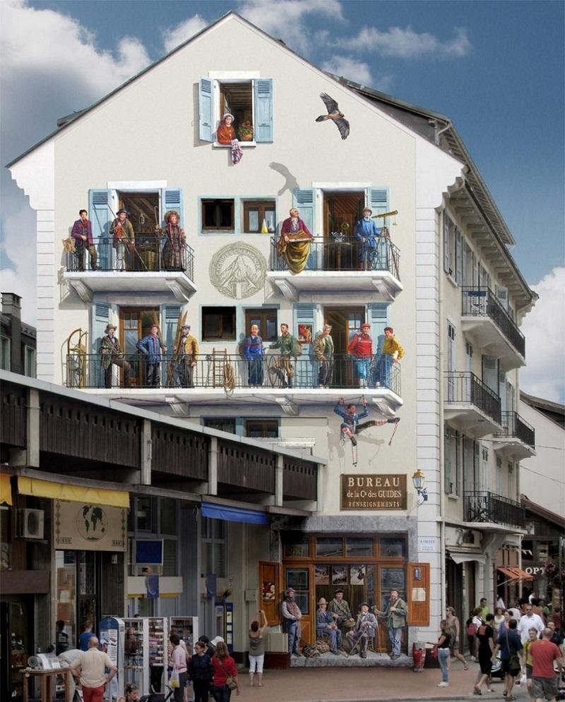 Патрик Коммеси и его помощники рисуют на стенах домов забавные сценки из жизни простых людей и даже