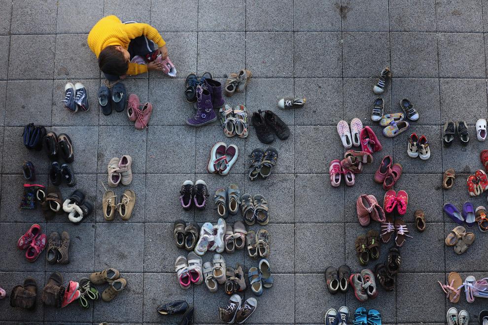 22. Сирийцы на вокзале в Заальфельде, Германия признаются в любви к этой стране, 5 сентября 201
