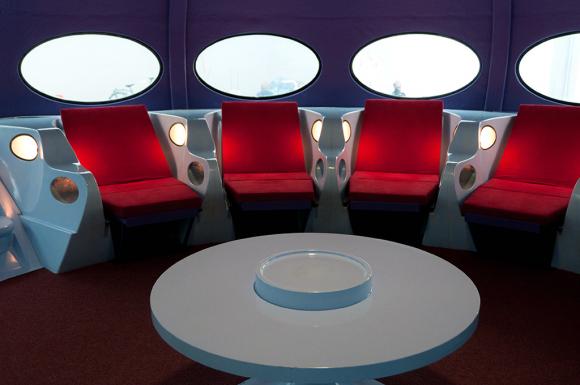 Изначально Futuro задумывался как легкий и мобильный отапливаемый лыжный домик. Он должен был легко