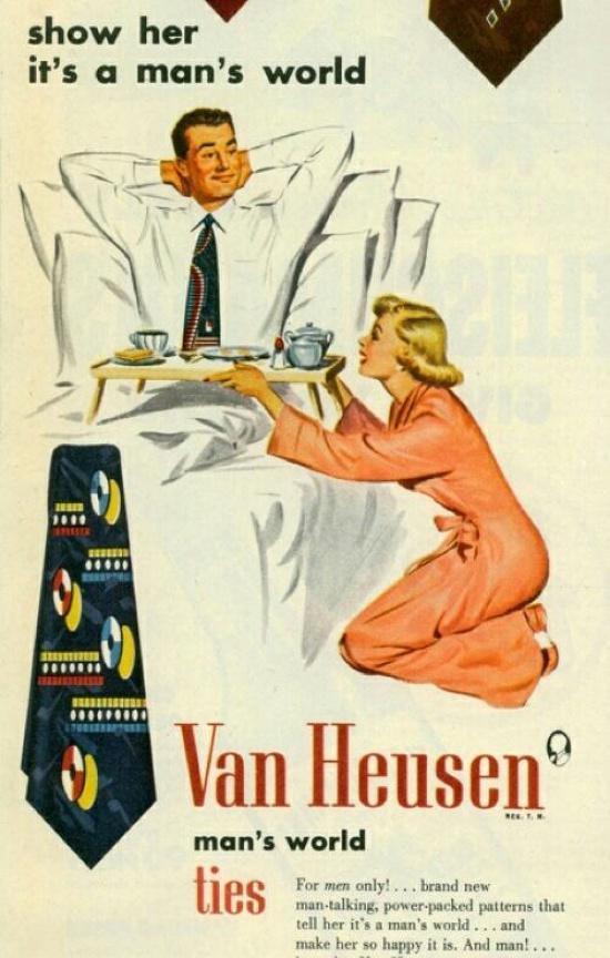 «Покажите, кто вдоме хозяин». Врекламе галстуков жена выполняет роль прислуживающей рабыни.