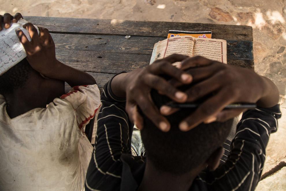18. Вот такие они, многие школы в Сенегале.