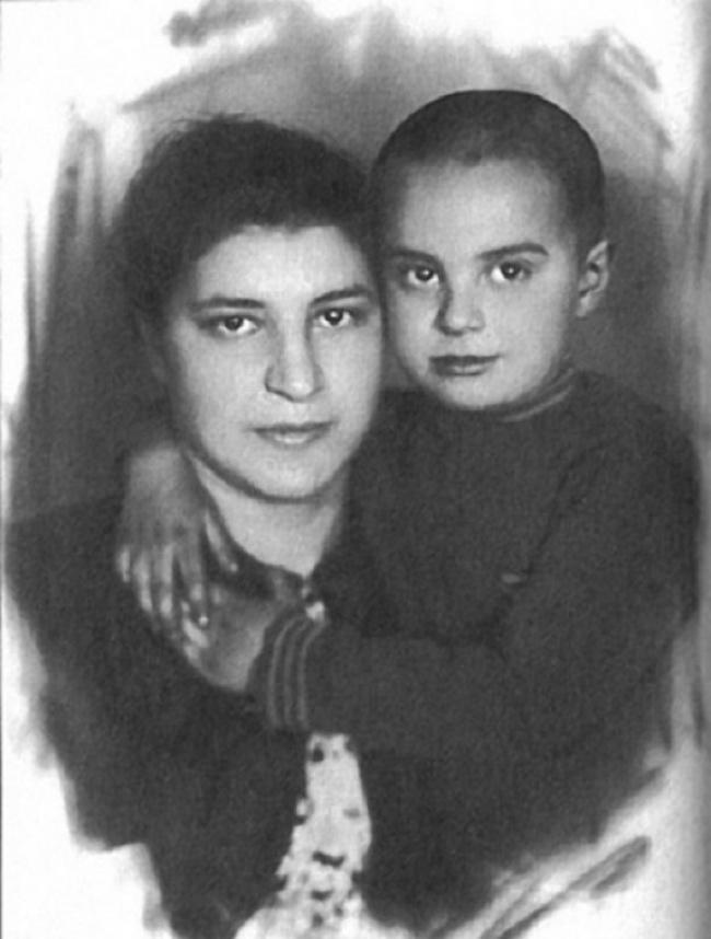 Вениамин Смехов смамой Марией Львовной.