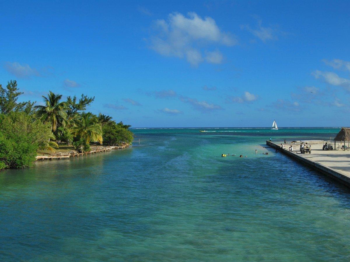 Амбергрис-Кэй — небольшой остров в государстве Белиз. Там множество красивых пляжей и симпатичных ба