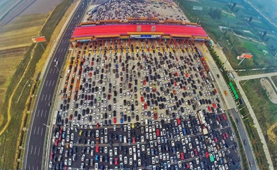 6. На самом деле это еще не самая большая пробка, образовавшаяся в Китае.