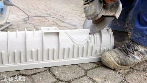 Монтаж пластиковых водоотводных лотков
