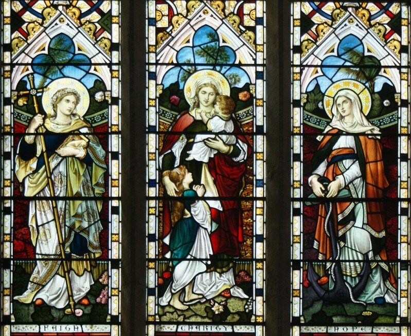 Вера, Любовь, Надежда. Витраж в храме святого Андрея (Sutton-in-the-Isle, Великобритания)