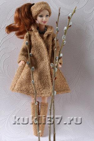 пальто для Барби с цельнокроеным рукавом
