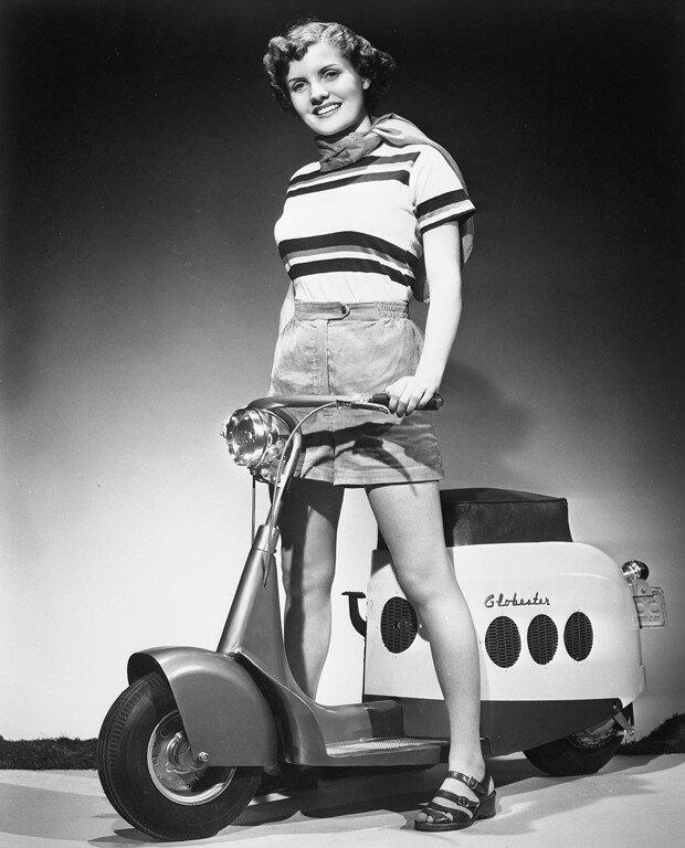 brooks-stevens-globester-motor-scooter-2.jpg