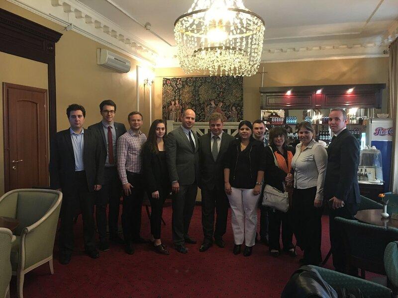 ВФМС встреча с Комсомолом Кубы Юниаски Креспо Бакеро и Джислейди Соса Кабрера.JPG